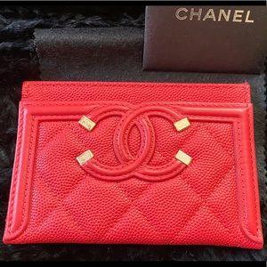 NIB CHANEL Caviar Quilted Filigree Cardholder